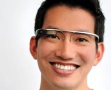گوگل عینک مجهز به نمایشگر میسازد