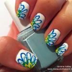 طرح گل با زمینه سفید